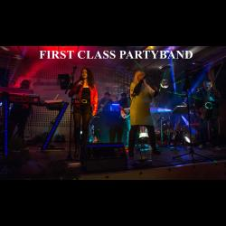 FIRST CLASS PARTYBAND = Partymusik Live