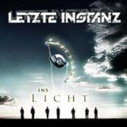 """Cover der CD """"Ins Licht""""; der Band """"Letzte Instanz"""""""