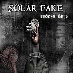 """Cover der CD """"Broken Grid""""; der Band """"Solar Fake"""""""