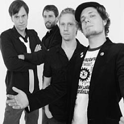 """Cover der CD """"Überall""""; der Band """"Kosmopiloten"""""""